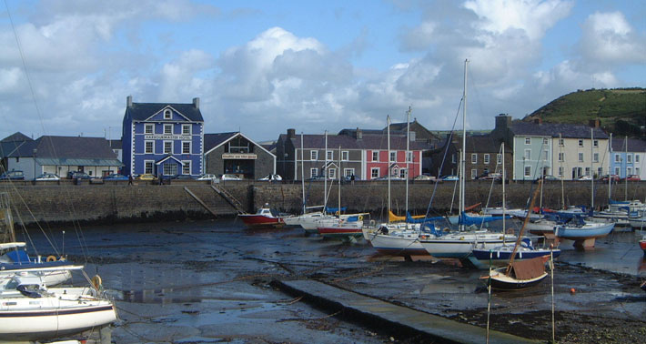 Aberaeron-is-a-colourful-town-with-no-hills!.jpg