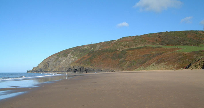 Penbryn-offers-a-mile-of-unspoilt-beautiful-sand.jpg